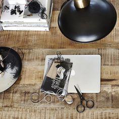 Let's be creative! De zwarte schaar van Monograph is hier geknipt voor!