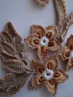 Crochet Applique Patterns Free, Irish Crochet Patterns, Crochet Stitches, Crochet Leaves, Crochet Doilies, Crochet Flowers, Love Crochet, Bead Crochet, Thread Art