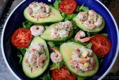 Shrimp stuffed avocado recipe or aguacate relleno con camarones - would be good with lobster too Avocado Recipes, Paleo Recipes, New Recipes, Favorite Recipes, Fish Recipes, Shrimp Avocado, Shrimp Salad, Avocado Salad, Salsa