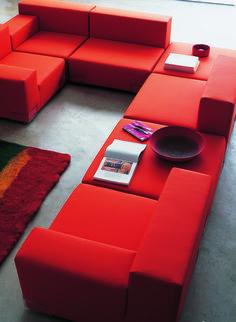Sofa Plastics by Piero Lissoni | Choose a life of leisure