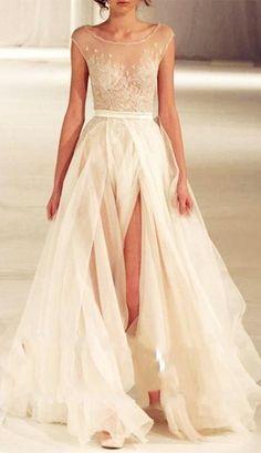 Gorgeous runway dress #fashion