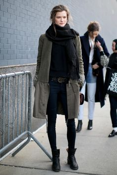Ankle boats outfit fall casual street style minimal chic 31 Ideas for 2019 Looks Street Style, Looks Style, Style Me, Models Off Duty, Fall Winter Outfits, Autumn Winter Fashion, Winter Style, Autumn Fall, Streetwear