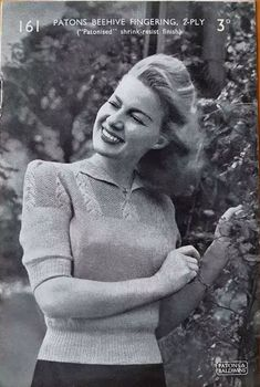 Lady's Sweater – Patons 161 – Free Vintage Knitting Pattern – Vintage Knitting Pattern Archive - Moyiki Sites Cute Sweaters, Vintage Sweaters, Sweaters For Women, Vintage Patterns, Knitting Patterns, Free Knitting, Crochet Patterns, 1940s Fashion Women, 1940's Fashion
