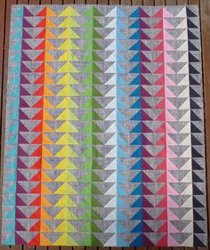 Really fun use of half square triangles!  I'll have to try this sometime. #quilting