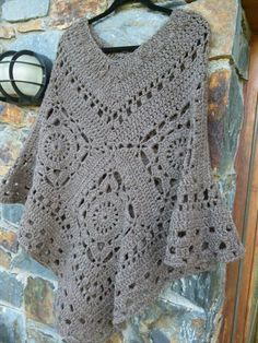 so have a look at these 24 lots of interest and handmade poncho designs and pick up the patterns to crochet yourself at home that caught your eyes instantly. Gilet Crochet, Crochet Diy, Crochet Poncho Patterns, Crochet Shawls And Wraps, Crochet Woman, Crochet Scarves, Crochet Clothes, Crochet Stitches, Crochet Hats