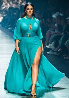 Curvy Girl Outfits, Plus Size Outfits, Curvy Women Fashion, Plus Size Fashion, Ashley Graham Style, Mode Plus, Vogue Fashion, Types Of Fashion Styles, Fashion Looks