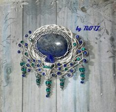 "Beautiful ""Peacock"" Wire Wrap Brooch, Lapiz Lazuly, Swarovsky. Design and Made by NiO-EL."