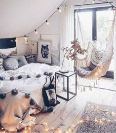 Gypsy Bohemian Master Bedroom Ideas (19)