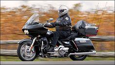 Image from http://www.moto123.com/ArtImages/124185/2011-harley-davidson-road-glide-i1.jpg.