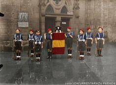 Navidades de 1938 en Donostia-SanSebastián. Pelayos frente a la Iglesia de San Vicente. Civilization, Spanish, Barcelona, War, Division, Soldiers, San Vicente, Military Art, Historia