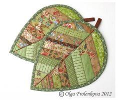 Green leaf potholders