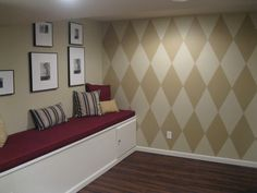 Stella's room - How to paint diamonds on wall. Harlequin/argyle pattern wall.
