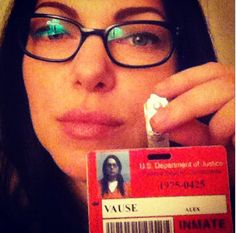I <3 girls with glasses!Alex Vause (Laura Prepon) from Orange is the New Black.