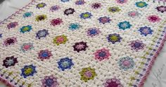 "FRAZADA ""JARDIN VERANIEGO""   This is my version of Lucy's (Attic 24) ""Summer Garden Blanket"" .  It was specially made for a bab..."