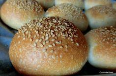 Panini morbidi all'olio con pasta madre Pasta, Hamburger, Bread, Veronica, Cooking, Mini, Recipes, Food, Brioche