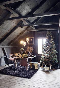 Home sweet home! #TCLdecor #wood #decoration #Christmas #tree