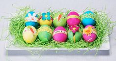 From paper flowers to Peeps, these easy Easter crafts and decorating ideas are fun for kids and adults alike. Egg Decorating, Decorating Your Home, Easy Easter Crafts, Easter Decor, Cute Egg, Stick Family, Easter Pictures, Diy Ostern, Coloring Easter Eggs