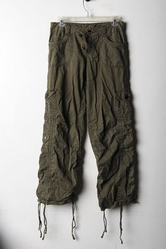 Union Bay- Olive green convertable pants with drawstrings, many pockets. Size 1