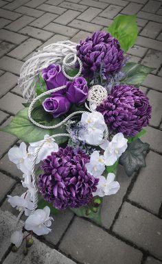 Grave Flowers, Funeral Flowers, Funeral Floral Arrangements, Flower Arrangements, Grave Decorations, Profile Design, Heart Art, Ikebana, Diy And Crafts