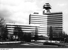 Das neue Fernseh-Zentrum des SFB am Theodor-Heuss-Platz 1970