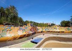 Resultat d'imatges de vectores parc guell barcelona