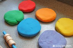 Step by step instructions for how to make the best homemade playdough in less than 10 minutes! Plus it's cheaper, and longer-lasting than store bought stuff!