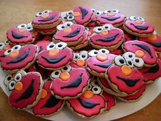 elmo cookies - my great nephew would love these! :) he loves Elmo:)