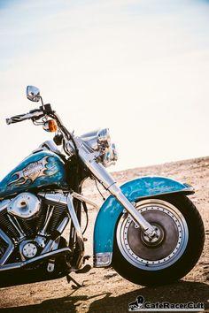 Harley Davidson – Heritage Softail Blue Smoke  http://caferacercult.gr/custom/harley-davidson-heritage-softail-blue-smoke-2.html