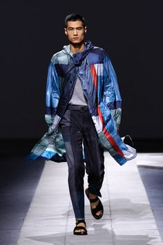 LOOKSS16_31 - Boutique en ligne officielle Brioni : prêt-à-porter couture, services sur mesure et vêtements de sport pour hommes.