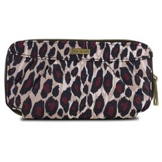 Be ready for day, night, and everything in between with the Travelon Leopard RFID Blocking Pleated Wallet. Go from wallet to wristlet just like that.