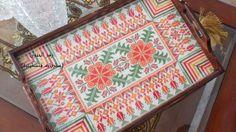 تطريز فلسطيني Cross stitch Palestenian Embroidery Embroidery Stitches, Embroidery Patterns, Hand Embroidery, Beading Patterns, Cross Stitch Patterns, Palestinian Embroidery, Chrochet, Cross Stitch Designs, Cross Stitching