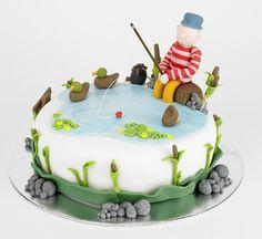 fishing themed cake, fishing cake, fondant bulrushes, fondant stones, fondant sign, fondant ducks, fondant lily pads, fondant bait box, fondant worms, fondant person, fondant hat, fondant fishing rod, fondant fishing float, fondant tree log, fondant water