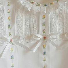 Embroidery Baby Clothes Christening Gowns 49 Ideas For 2019 - Diy Crafts Baby Girl Dress Patterns, Baby Dress Design, Little Girl Dresses, Vintage Baby Dresses, Etsy Embroidery, Hand Embroidery Designs, Christmas Embroidery Patterns, Christening Gowns, Heirloom Sewing