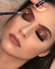 [New] The 10 Best Makeup (with Pictures) - Make up Glitter . Bridal Eye Makeup, Glam Makeup, Party Makeup, Skin Makeup, Eyeshadow Makeup, Vegas Makeup, Dramatic Wedding Makeup, Bronze Eye Makeup, Makeup Shop