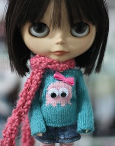 blythe doll Mrs Pac Man ghost sweater