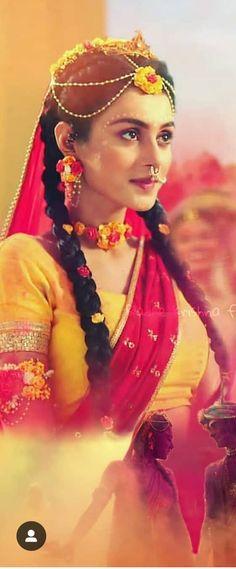Looking too good Mallika ,😘😘😘 Radha Krishna Songs, Radha Krishna Pictures, Lord Krishna Images, Krishna Photos, Little Krishna, Baby Krishna, Cute Krishna, Cute Disney Quotes, Holi Photo