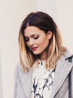 Dark roots, light ends. When you want to grow out your blonde. Caroline Receveur Hair, Medium Hair Styles, Short Hair Styles, Looks Pinterest, Langer Bob, Haircut And Color, Good Hair Day, Tips Belleza, Hair Today