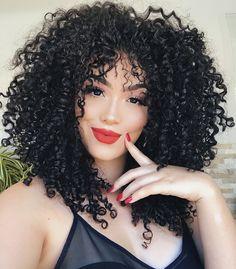 Por que o cabelo fica com pontas duplas? Descubra a causa e como tratar os fios espigados Loose Curly Hair, Black Curly Hair, Curly Girl, Afro Hair Style, Curly Hair Styles, Natural Hair Styles, Yaki Hair, Hair Weft, Hair Trends