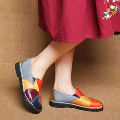 Socofy SOCOFY Soft Handmade Splicing Colorful Genuine Leather Stiching Slip On Casual Flat Loafers is cheap and comfortable. There are other cheap women flats and loafers online. Oxford Flats, Loafer Flats, Loafers Online, Casual Loafers, Ladies Slips, Fashion Flats, Fashion Outfits, Types Of Shoes, Womens Flats
