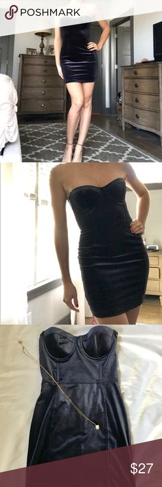 Blue Velvet Bustier Mini Dress Va Va Voom. Turn heads this NYE with this little number. Midnight blue velvet, bustier top mini, fitted bodycon style. Note: Runs on small side; comparable to US 0-2. H&M Dresses Mini