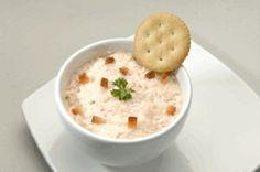 Para acompañar unas Galletas RICAS® nada mejor que un Mousse de pimiento.  ¡Síguenos en twitter @Nestle_Ecuador!