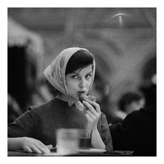 furtho: Tadeusz Rolke's portrait of a woman in a cafe, Moscow, 1960 (via shattenbereich) Street Photography, Art Photography, Before The Fall, Country Lifestyle, Sloth, Beauty Women, The Incredibles, Culture, Style Inspiration