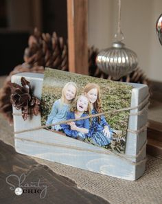 Easiest gift ever! Free plans on creating this DIY Wood Block Frame.