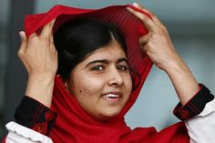 Malala Yousafzai UN Malala Yousafzai (Urdu: ملالہ یوسف زئی) is an activist for women's rights pakistanaise.Le October 9, 2012, she is the victim of an assassination attempt by Taliban Tehrik-e-Taliban Pakistan to release of her school where she is seriously injured, attack condemned by the entire political class.