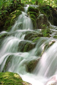 Plitvice Lakes Waterfalls by rchay