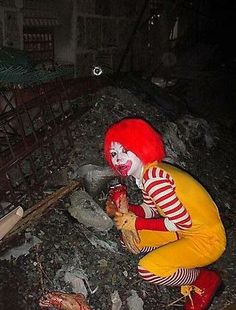 McDonald's commercials, in the style of Japanese horror movies Creepypasta Wiki, Japanese Horror Movies, Best Friend Quotes Funny, Memes, Wattpad, 10 Picture, Cursed Images, Zombie Apocalypse, Mcdonalds