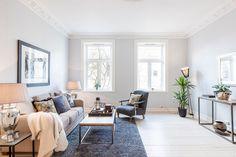 FINN – HOMANSBYEN - Flott og lys 3(4)-roms selveier på 93 kvm med generøs takhøyde og klassisk utsmykking. Unik og fredelig beliggenhet, rett ved Slottsparken.