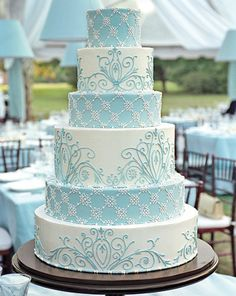 Winter wedding cake - For all your cake decorating supplies, please visit craftcompany.co.uk
