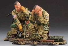 World War II U.S. 101st Airborne ATW001B 60mm Mortar Team - Made by Thomas Gunn Military Miniatures and Models. Factory made, hand assembled, painted and boxed in a padded decorative box. Excellent gift for the enthusiast.