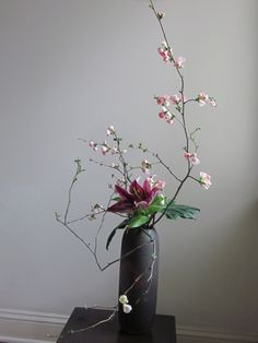 Orchids and Ikebana: Two Arrangements Using Flowering Branches You are in the right place about purp Ikebana Arrangements, Ikebana Flower Arrangement, Flower Arrangements Simple, Arte Floral, Deco Floral, Flower Branch, Flower Art, Cactus Flower, Flower Images